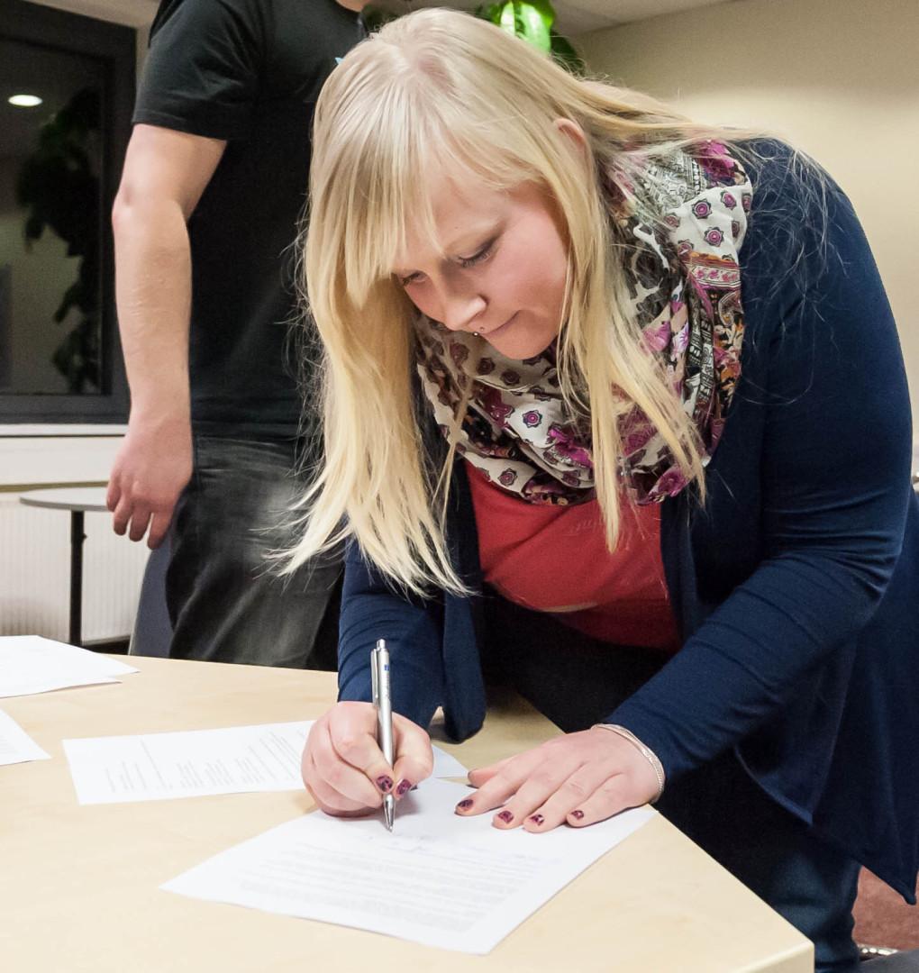 Die Satzung wird von den Gründungsmitgliedern unterschrieben