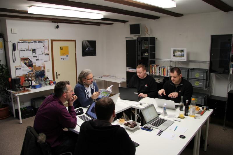 Die Fachgruppe bei der Diskussion